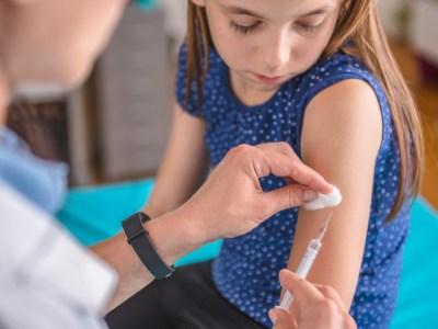 التطعيمات في المدارس