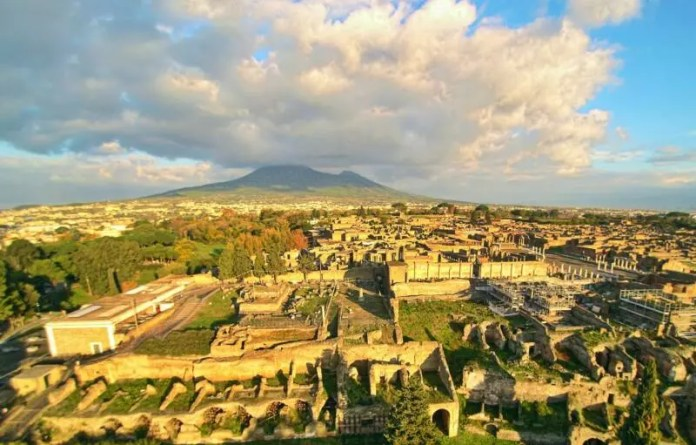 Mount Vesuvius Facts For Kids - All About Mount Vesuvius