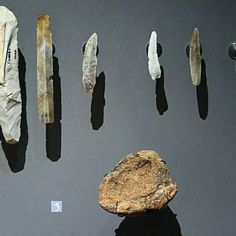 Stone Age Tools And Weapons Information