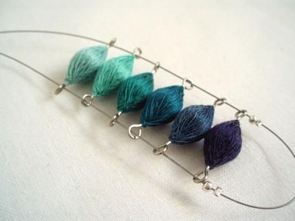 textil_art_necklace