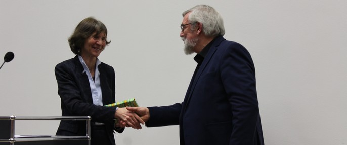 Prof. Dr. Aleida Assmann und Vorsitzender Rolf Fischer