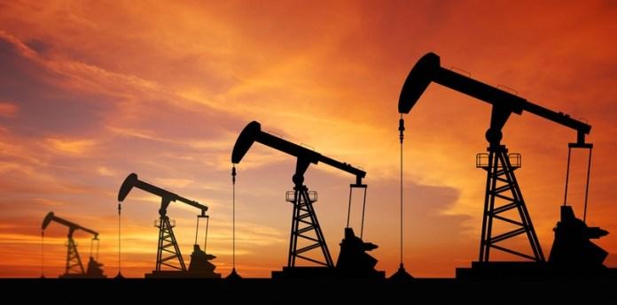 Các yếu tố tác động đến giá dầu thế giới
