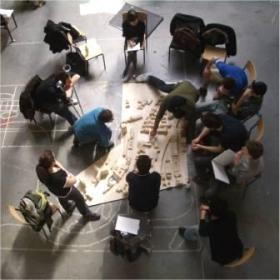 Architecture-students-modelling