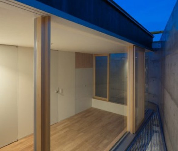 dzn_House-in-Minamimachi3-by-Suppose-Design-Office-18