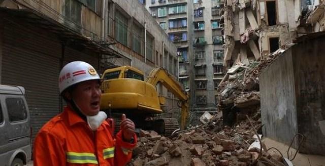 Chỉ sau một cơn mưa, tòa nhà này tự sụp đổ khiến 16 người tử vong