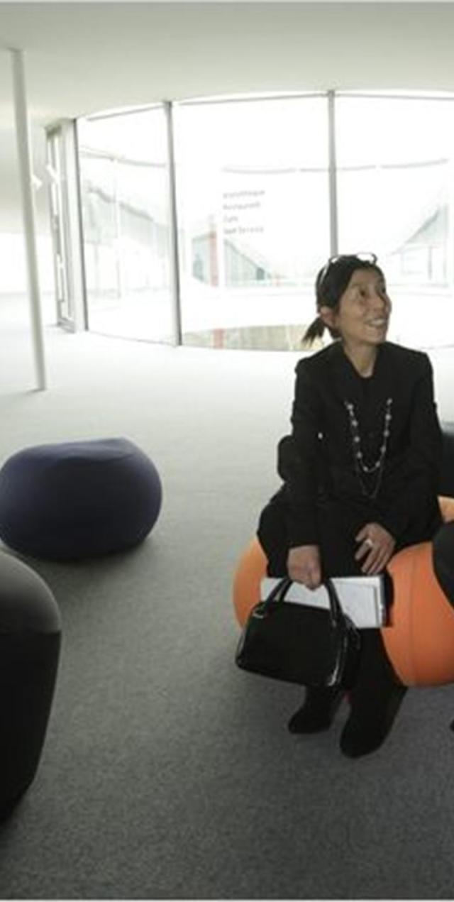 Kazuyo Sejima và Ryue Nishizawa  tại Rolex Learning Centre