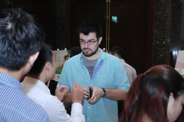 1 đối tác nước ngoài muốn phân phối sản phẩm của Lumi