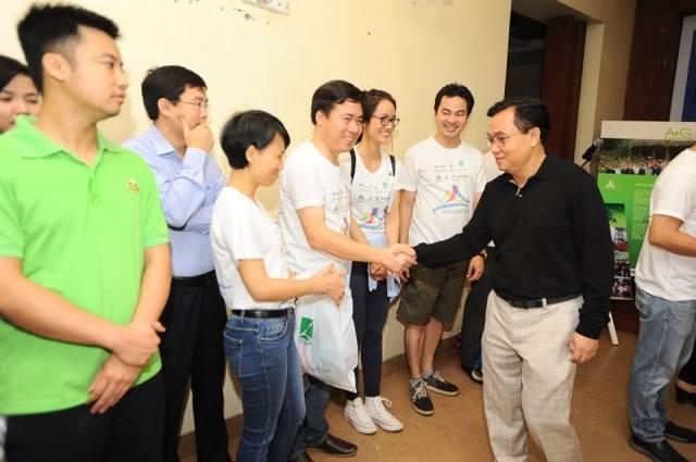 Phó chủ tịch Nguyễn Văn Hải chúc đoàn xe thành công trước giờ xuất phát