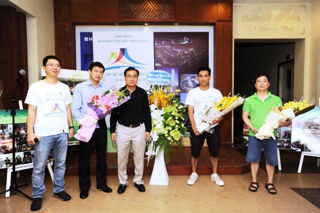 Phó CT Hội KTSVN - KTS Nguyễn Văn Hải cùng BTC cảm ơn các nhà tài trợ đồng hành cùng chương trình: TID, Khang Minh, Namsan Stone, Vĩnh Tường,