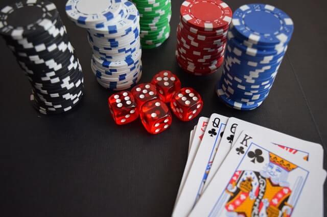 Jak Planning Poker iMonopoly Money pomagają wszacowaniu ipriorytetyzacji?