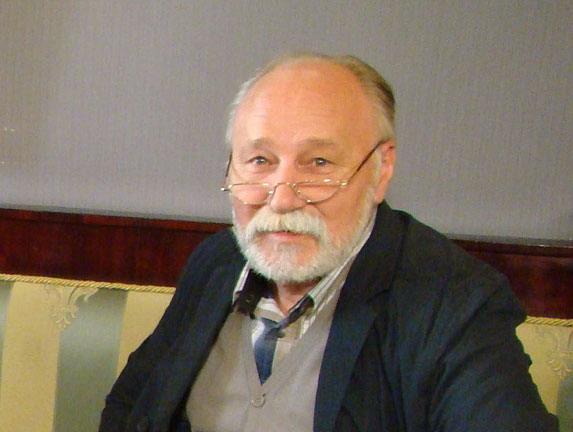В этот день родился гениальный физик Николай Боголюбов, а ...