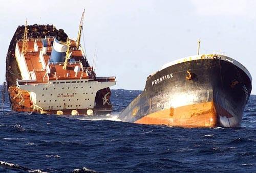 كارثة في السواحل الإيطالية.. غرق باخرة على متنها 110 حراك تونسي