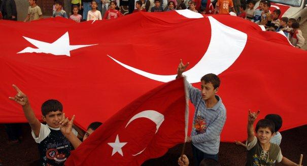 من التراكتور إلى الحلوى.. تركيا تغزو المغرب