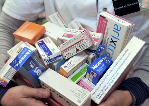 أدوية..لا زيادة في الضريبة على القيمة المضافة