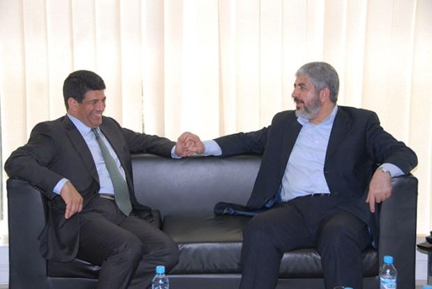 """ديبلوماسية حزبية.. """"مسيح البام"""" يبحث عن المصالحة بين """"فتح"""" و""""حماس"""""""