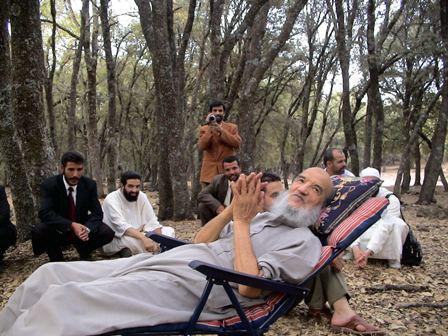 الجماعة تنعي زعيمها عبد السلام ياسين.. الجنازة يوم غد الجمعة