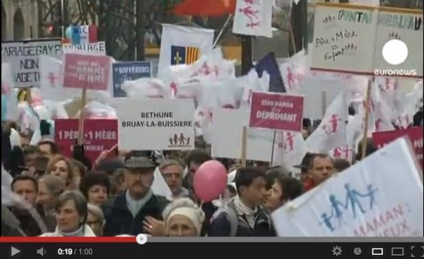 فرنسا.. مظاهرات ضد تقنين زواج المثليين