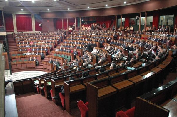 """مجلس النواب.. الطالبي العلمي يدعو العثماني إلى مغادرة القاعة والاتحاديون يهددون بالانسحاب ونائبة تعترف: """"أبننا عن مستوى ضعيف"""""""