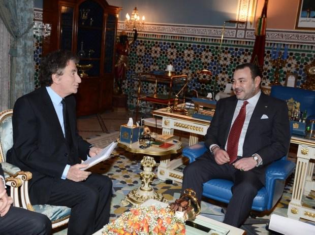 """للاطلاع على تفاصيل تظاهرة """"المغرب بألف لون"""".. الملك يستقبل رئيس معهد العالم العربي في باريس"""