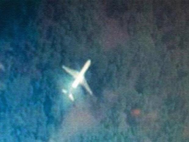وجدها طالب من تايوان.. هل هذه الصورة للطائرة الماليزية المفقودة؟