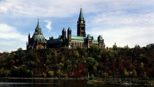 كندا.. إطلاق النار في البرلمان