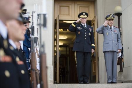 زيارة عمل.. الجنرال عروب في أمريكا (صور)