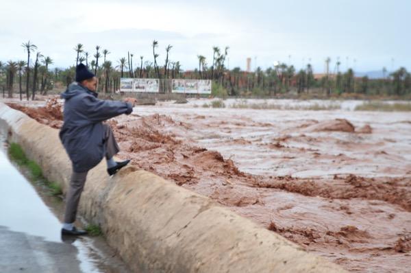 مراكش وكلميم.. فيضانات بعد الأمطار (صور)