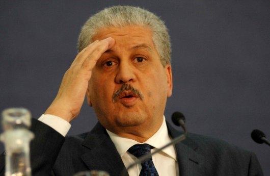 باعتراف وزيرها الأول .. انخفاض سعر البترول يرعب الجزائر!!
