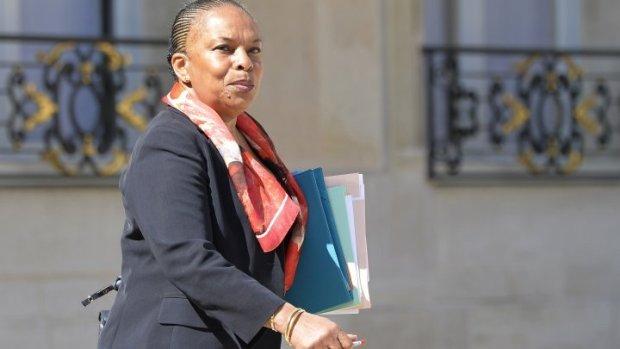 بسبب قانون سحب الجنسية.. وزيرة العدل الفرنسية تستقيل
