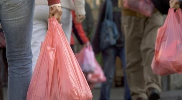 لإنجاح عملية جمع وإتلاف الأكياس البلاستيكية.. الداخلية توجه دورية إلى الولاة والعمال