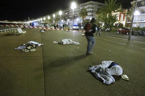 طفل وسيدتان.. 3 قتلى مغاربة في اعتداء نيس