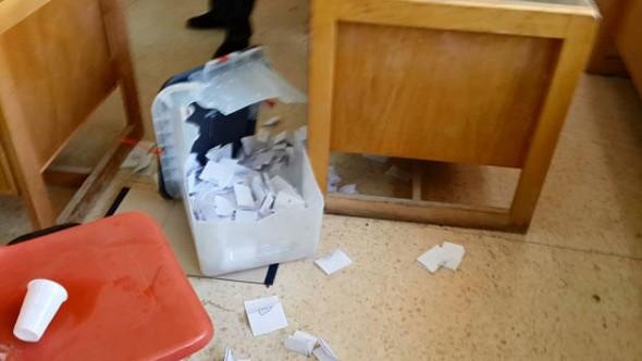 النصف الأول من يوم الاقتراع.. خروقات وادعاءات وكسر صندوق
