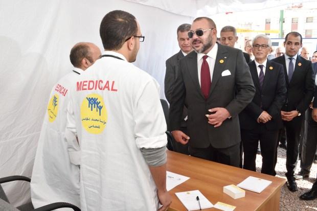 الدار البيضاء..  الملك يعطي انطلاقة حملة طبية ويضع الحجر الأساس لإنجاز مركز صحي