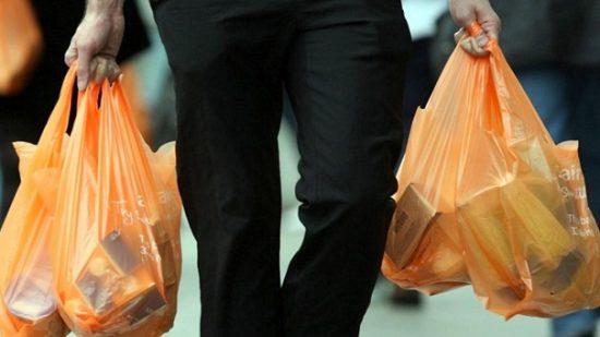 الحبس بسبب أكياس البلاستيك.. مجرم ديال الميكا!!