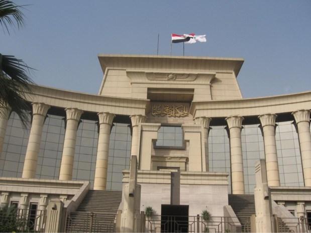 مصر.. نقيب الصحافيين في الحبس