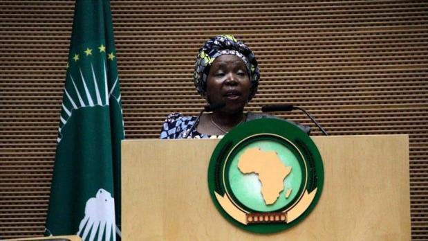 رئيسة مفوضية الاتحاد الإفريقي.. آش هاد لعب الدراري؟؟