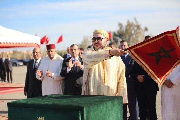 """مراكش.. الملك يعطي انطلاقة أشغال تهيئة تجزئة """"الكومي"""""""