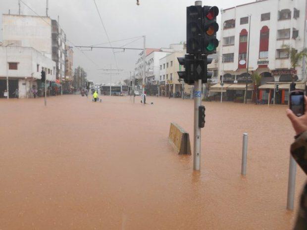 """فيضانات.. الرباط سلا وما """"غرقهما""""!!"""