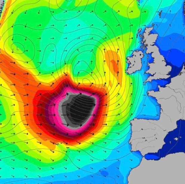 الأرصاد الجوية: حذرنا مستعملي البحر لكن لا يجب التضخيم من خطورة الأمواج