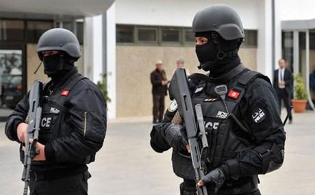 تونس.. مسلح اقتحم البرلمان