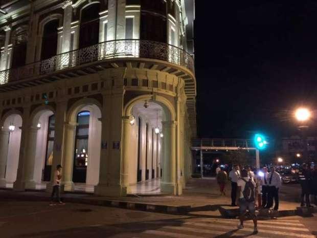 الجزائريين دخلهم الشك.. عطلة ملكية خاصة في كوبا (صور)