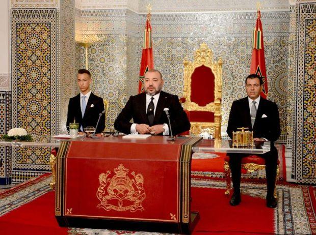 الملك: نعيش مفارقات صارخة… وبعض الإنجازات من المخجل أن يقال إنها تقع في المغرب