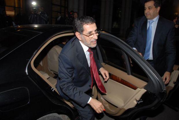 الحكومة الكامونية.. الوزراء دايرين زيارات للجهات وباديين من بني ملال