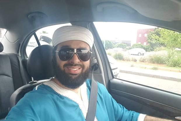 قال باللي الزواج بمرا وحدة تبذير وأنانية.. الداعية حامد الإدريسي جبد عليه النحل!!