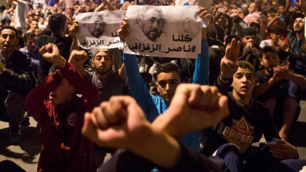 """عددهم 16.. النشناش ورفاقه يطالبون بالإفراج عن """"صغار معتقلي الحراك"""""""