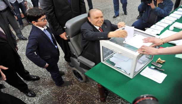 الانتخابات الجزائرية.. بوتفليقة ووليداتو حتى فرقة ما غلباتو!!