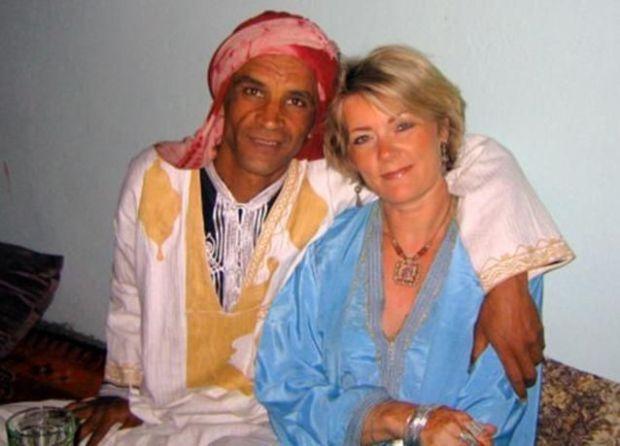 بحال داك الشي ديال الأفلام.. قصة زواج كاتبة بريطانية بصاحب مطعم في تافراوت!!