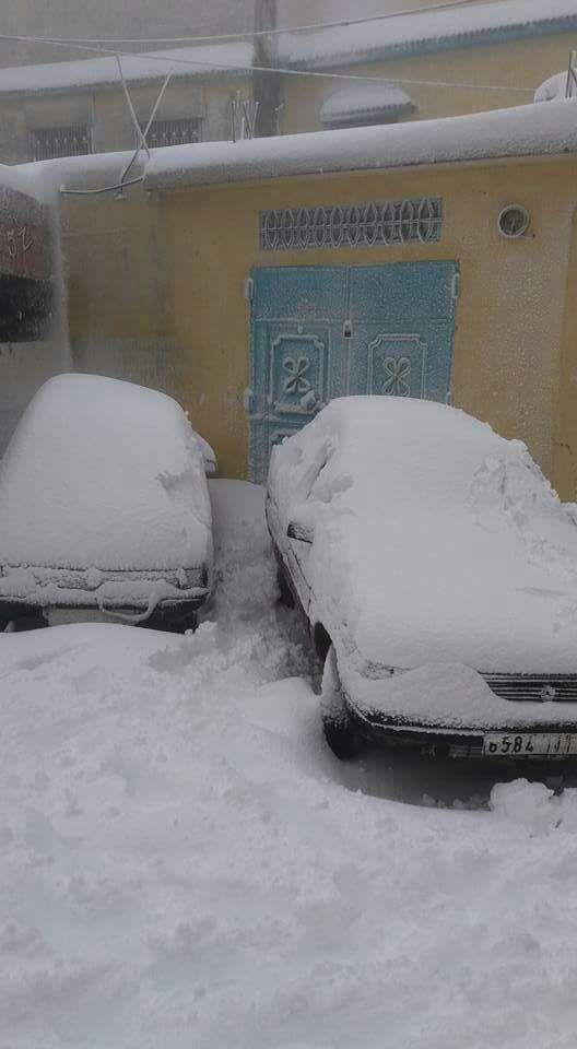 بالصور من باب برد/ إقليم شفشاون.. الثلج وقّف الحركة!