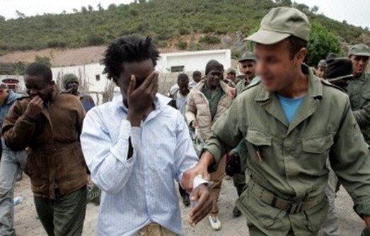 ترحيل السلطات الإسبانية لمهاجرين صوب المغرب.. مرصد الشمال يندد
