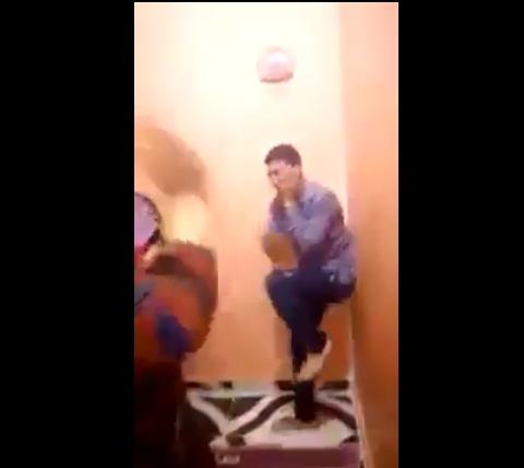 وقع فمصر وردّوه فالمغرب.. حقيقة فيديو عائلة تعتدي على شاب تحرش بابنتها
